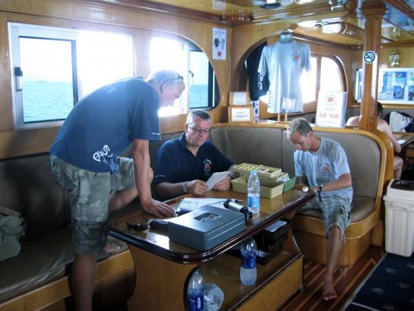 Duikinstructeurs Marijn, Patrick en Steven - Basyl - 12-09-2009